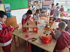 Aistear in 2nd Class: Construction Themed