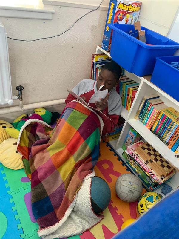 Cosy Reading Day in The Yellow Corridor